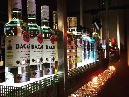 1480 food Bar Alkmaar gin bar tonic Bacardi Roman Levi Maatwerk Ontwerp Horeca Interieurbouw Interieurinrichting Interieurontwerp Industrieel Alkmaar